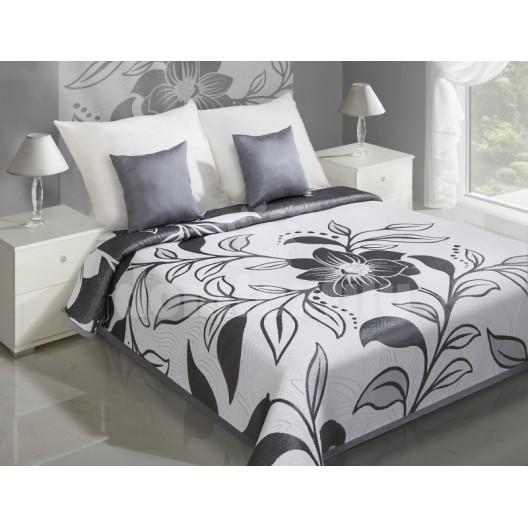 Prehozy na postele biele s čiernym motívom kvetu