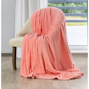 Krásna korálovo ružová deka s decentným reliéfnym vzorom
