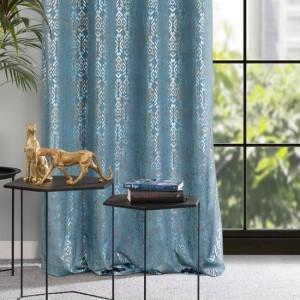 Krásny svetlo modrý zamatový zaves so strieborno zlatou potlačou 140 x 250 cm