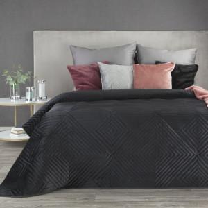 Luxusný čierny zamatový prehoz s geometrickými tvarmi SKLADOM 230 x 260 cm