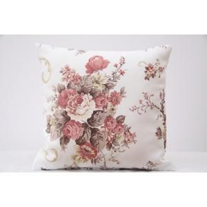 Vintage dekoračná obliečka bielej farby na vankúš s kyticou kvetov