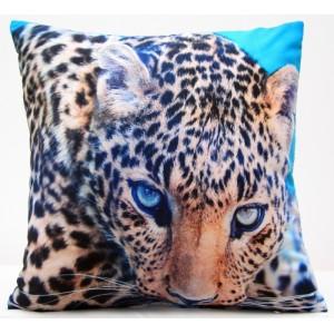 Modrá obliečka na vankúše s leopardom