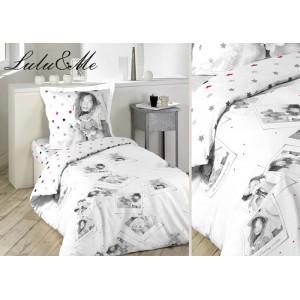 Obliečky na posteľ bielej farby s ružovo sivými hviezdami