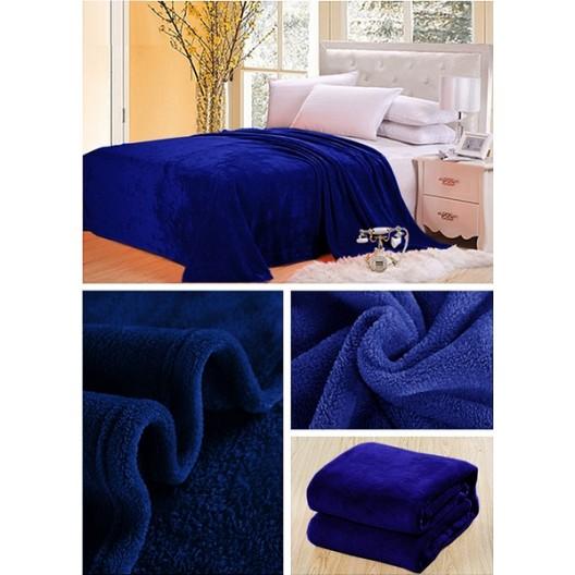 Luxusná deka v tmavomodrej farbe