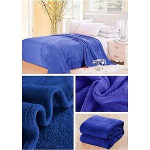 Teplé deky svetlo modrej farby