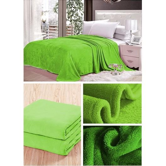 Prehozové deky hráškovo zelenej farby