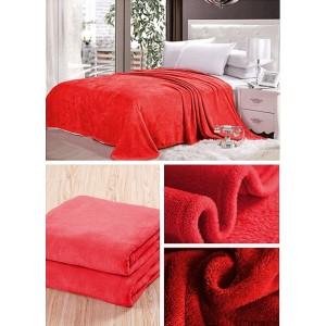 Prikrývka na posteľ červenej farby
