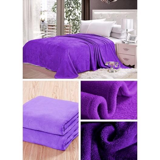 Moderné tmavo fialové deky