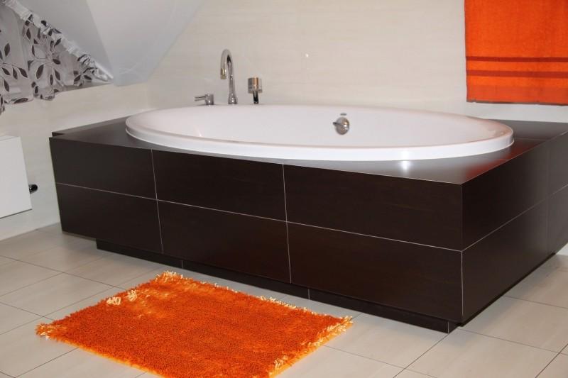 DomTextilu Oranžový koberček do kúpeľne Šírka: 50 cm | Dĺžka: 70 cm 5348-14346