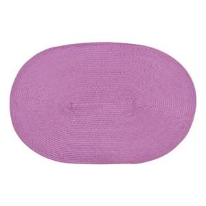 Ružové oválne prestierania na stôl