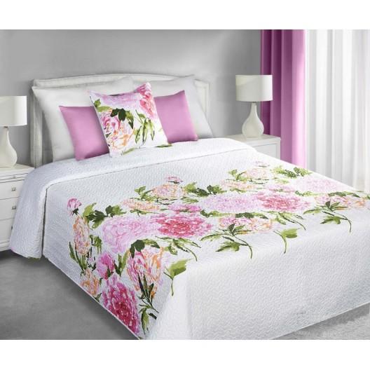 Obojstranné prehozy bielej farby na manželskú posteľ s motívom ružových kvetov