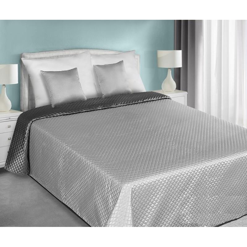 0aca7e84b070e Obojstranné saténové prehozy sivo striebornej farby na manželskú posteľ