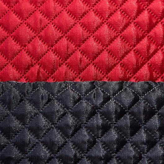 Saténový prešívaný obojstranný prehoz na posteľ červeno čiernej farby