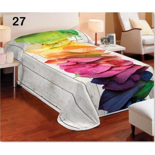 Deky bielej farby na posteľ s opadanými farebnými listami