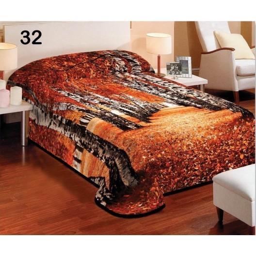 Prikrývka na posteľ hnedej farby s motívom vysokých briez