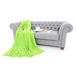 Zelené deky na postele