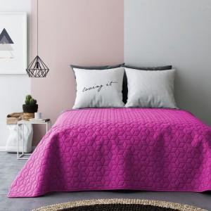 Kvalitné obojstranné prikrývky na dvojposteľ v sivo ružovej farbe s kockovaným vzorom