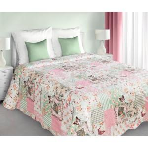 Patchwork prehoz v bielo ružovo zelenej farbe s prírodným vzorom