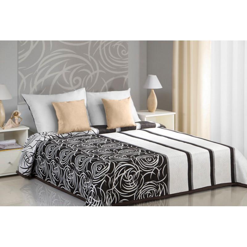 c5fc4cd1da709 Krémovo hnedé obojstranné prikrývky na posteľ s abstrakným vzorom ...