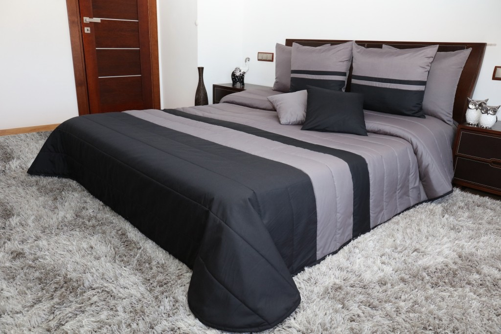 DomTextilu Prešívané sivo čierne prikrývky na posteľ Šírka: 240 cm   Dĺžka: 260 cm 6838-124721