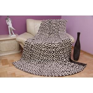 Hnedá deka do obývačky s motívom geometrických útvarov