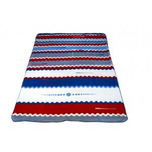 Pruhovaná deka modrej farby