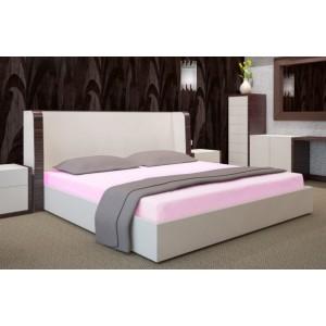 Svetlo ružové prestieradla na postele
