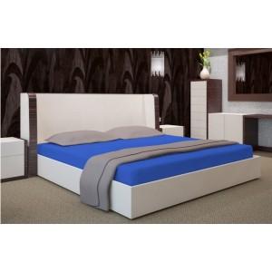 Tmavomodré bavlnené prestieradlo na posteľ