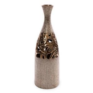 Zlatá dekoratívna váza s vyrezávaným ornamentom