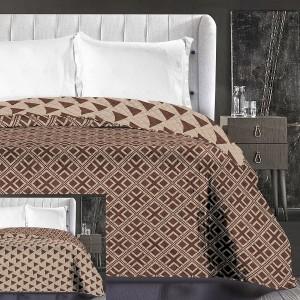 Moderné prehozy na manželskú posteľ hnedé