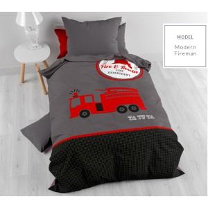 Sivé posteľné obliečky s požiarníckym autom