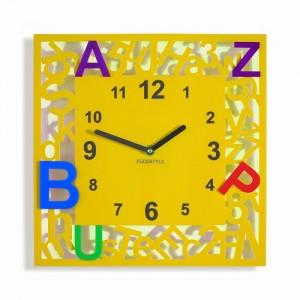 Štvorcové detské hodiny s písmenkami