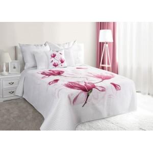 Biely prešívaný prehoz na posteľ s kvetom