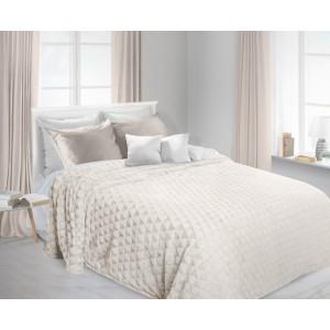 Krémová plyšová deka na posteľ
