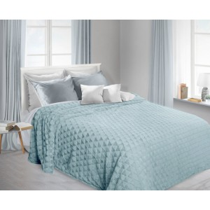 Chlpaté prikrývky na posteľ svetlo modrej farby