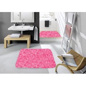Kúpeľnový koberec ružovej farby