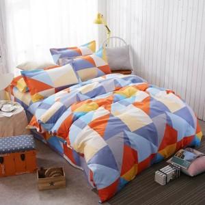 Farebné posteľné obliečky v modro oránžovej farbe s trojuholníkovými tvarmi