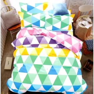 Ružovo fialové posteľné obliečky s trojuholníkovým vzorom