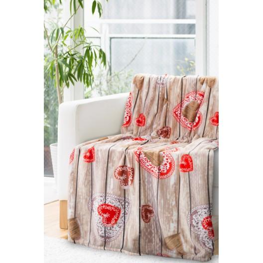 Teplá deka s motívom drevených dosiek a srdiečok