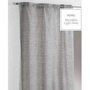 Jednofarebný záves do spálne v svetlo sivej farbe
