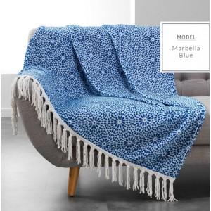 Krásna modrá deka so strapcami bielej farby