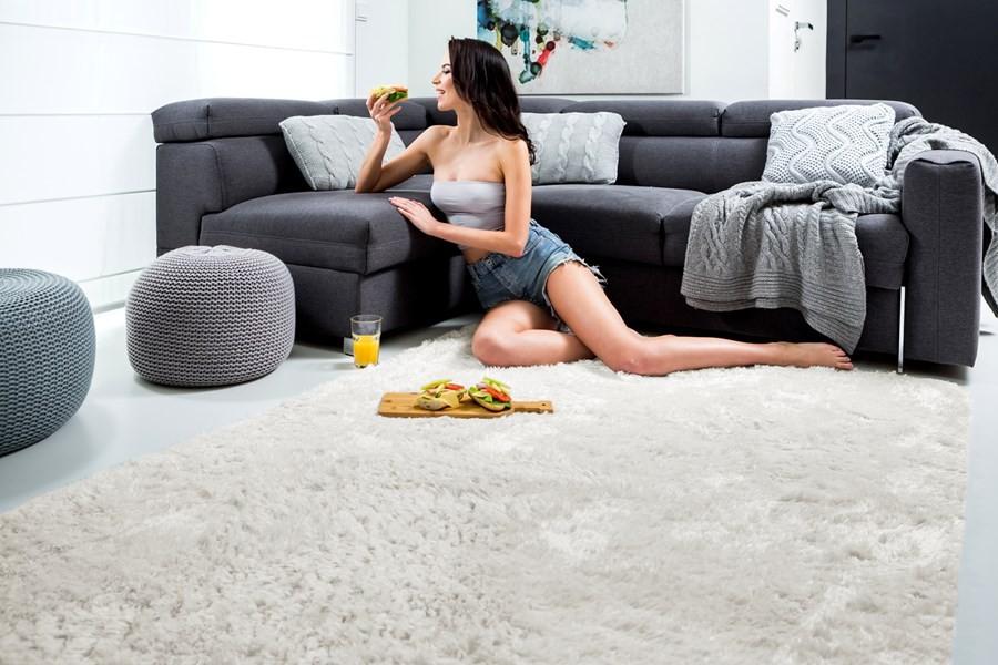 DomTextilu Mäkký plyšový koberec krémovej farby 140 x 200 cm 9789