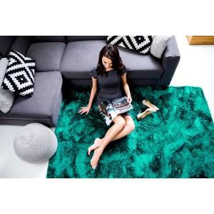 Tmavo zelený hebký plyšový koberec