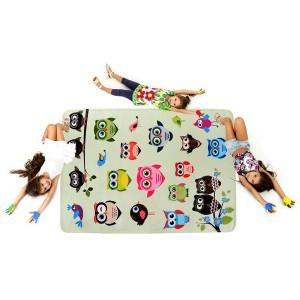 Zelený detský koberec so vzorom sovičiek