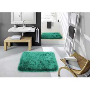 Tmavo zelené koberčeky do kúpeľne