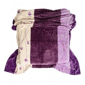 Fialovo krémová deka s pruhmi a jemnými kvetmi