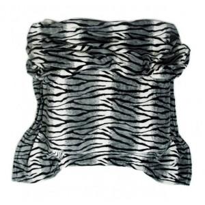 Sivá deka so zvieracím vzorom zebra