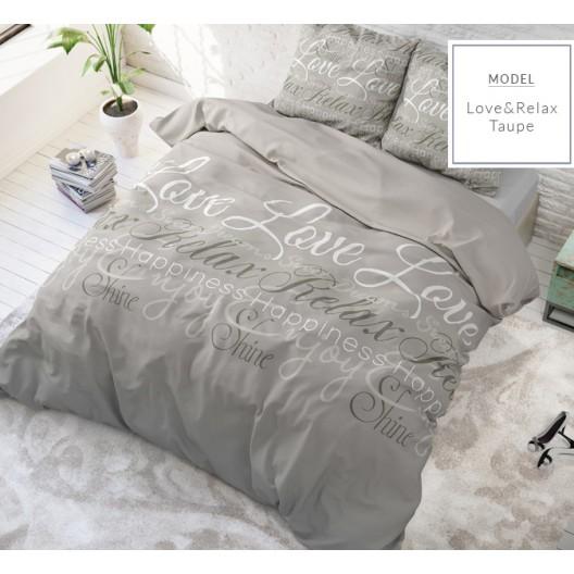 Moderné posteľné návliečky s nápismi béžovej farby