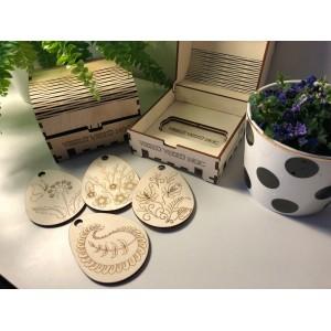 Veľkonočná dekorácia z dreva s gravírovaným vzorom