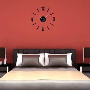 Ručičkové hodiny na stenu čierne